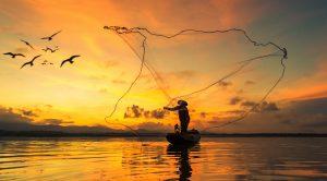 Fischer beim Fischfang in der Morgenröte Gegen alle Logik Isolde Müller Missionswerk Karlsruhe