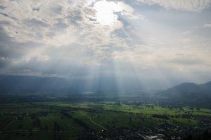 Missionswerk Karlsruhe Ermutigung der Woche Sonne bricht durch Wolken durch