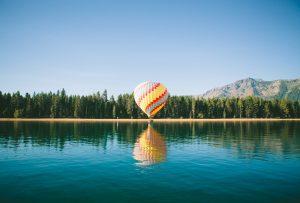 Missionswerk Karlsruhe Ermutigung der Woche Genieße Gottes Gegenwart Heißluftballon über See