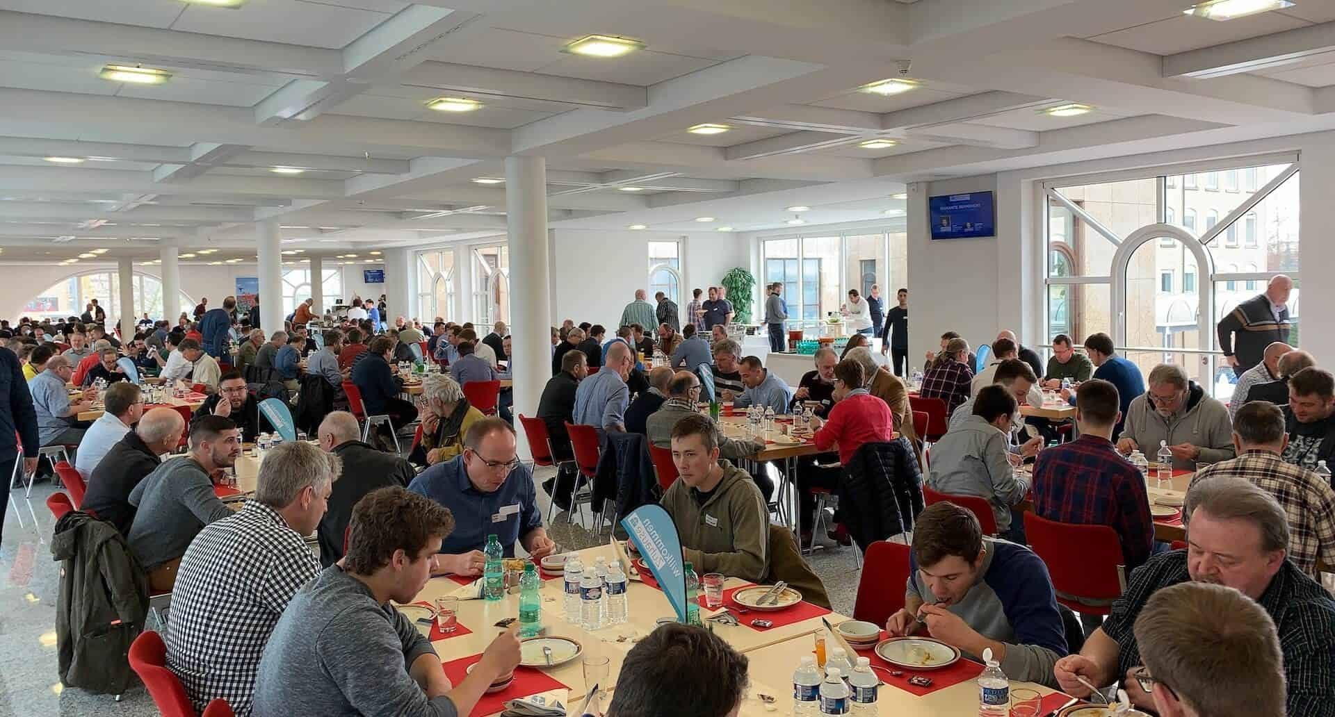 Mittagessen beim Männertag 2019 im Missionswerk Karlsruhe