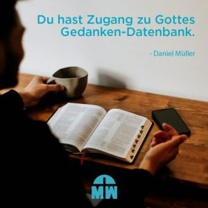 Aufgeschlagene Bibel Nimm Gottes Perspektive ein Ermutigung der Woche Missionswerk Karlsruhe